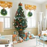 How to decorate my house for Christmas with little money